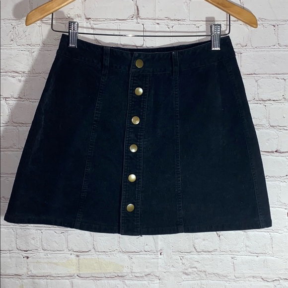 Vintage Dresses & Skirts - THE BUTTON-FRONT CORDUROY SKIRT